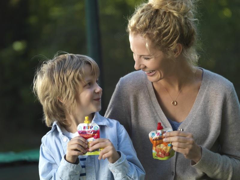 Hipp_2012_MSP_child_mum_eating_Hipp_Combiotic__0371