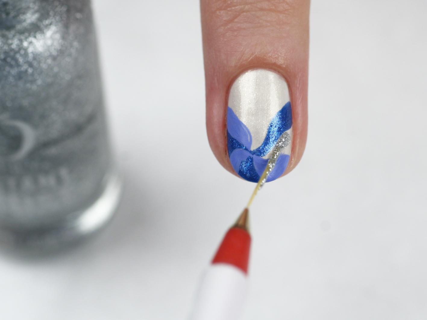 Фото нанесения красок на ногти