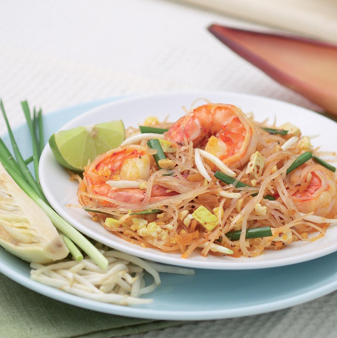 Рецепт тайской кухни - жареная лапша с креветками