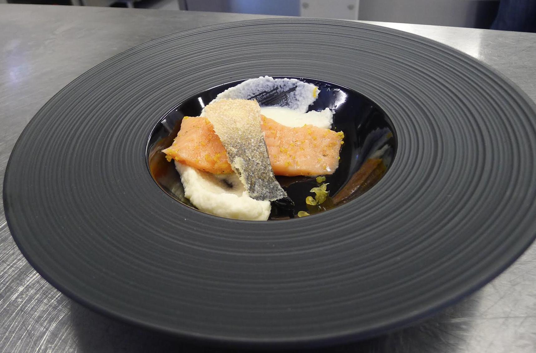 Рецепт лосося сувид c мандариновым ароматом от Рафаэля Казумяна