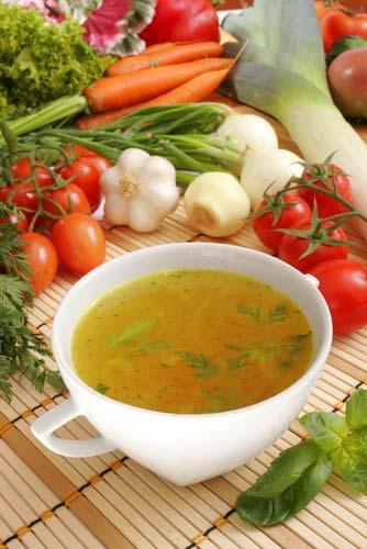 Суп из картофеля и лука порея с фенхелем и водяным крессом