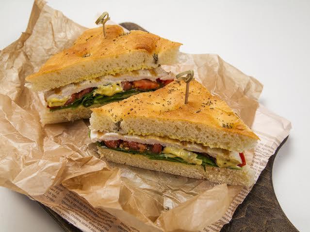 Рецепт сендвича с куриным филе гриль и соусом Карри