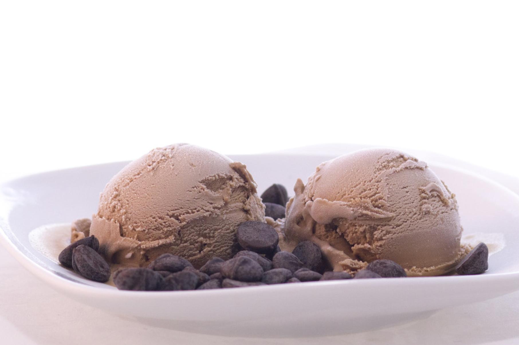 «Пьяное» мороженое Flower Flavor в винотеке GRAPE