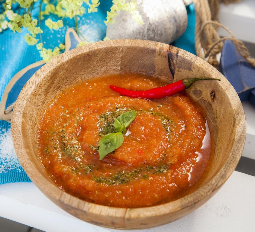 """Рецепт холодного супа """"Гаспачо из бакинских томатов"""""""