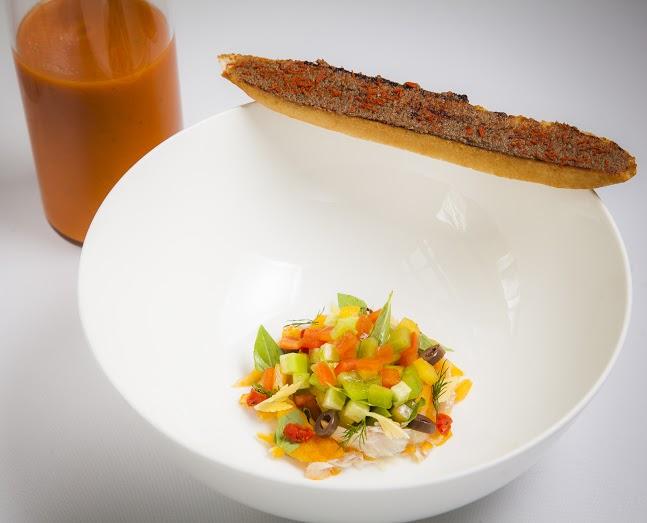 Рецепт холодного томатного супа с копченой пикшей