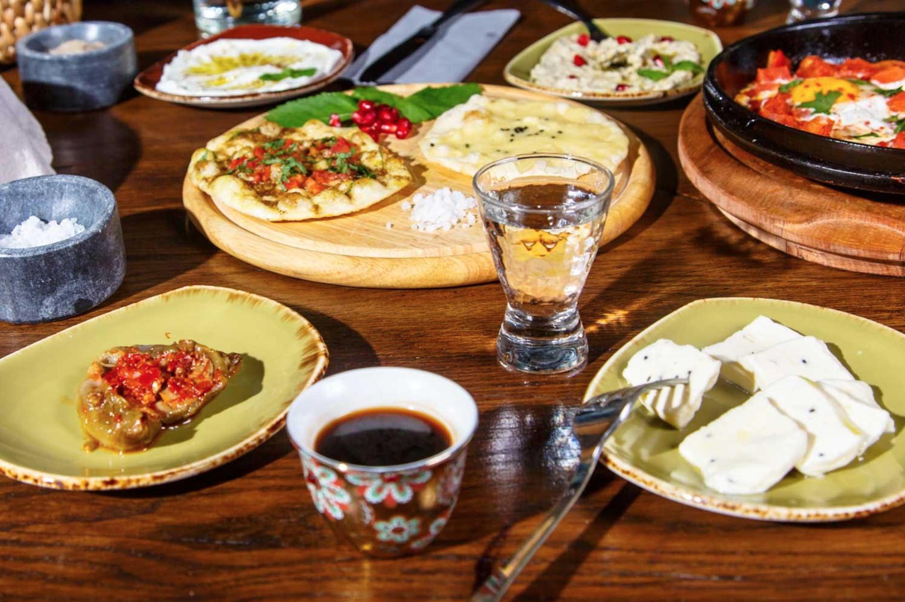 Завтраки в ресторане MR. Ливанец