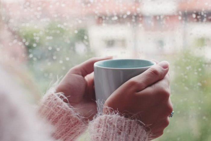 Согрейся с пользой: лучшие напитки в зимнюю стужу