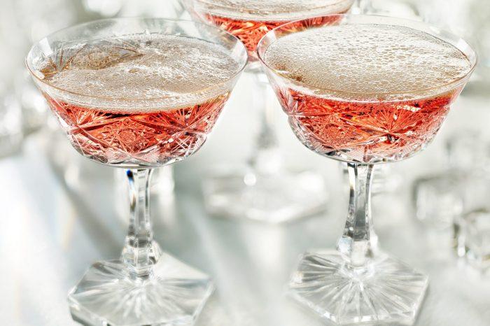 Шампанское на завтрак в Brasserie МОСТ: традиционный аристократический прием