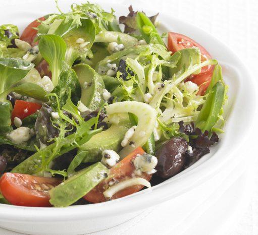 Рецепт салата с авокадо под соусом из горгондзолы