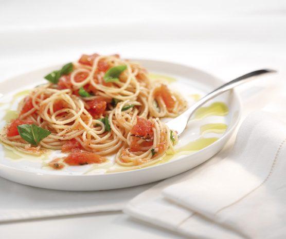 Рецепт пасты с соусом из свежих томатов