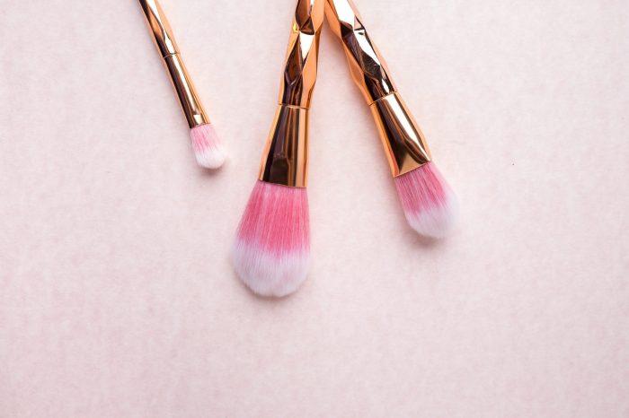 Все о кистях для макияжа: Какие покупать? Как правильно использовать? Как за ними ухаживать?