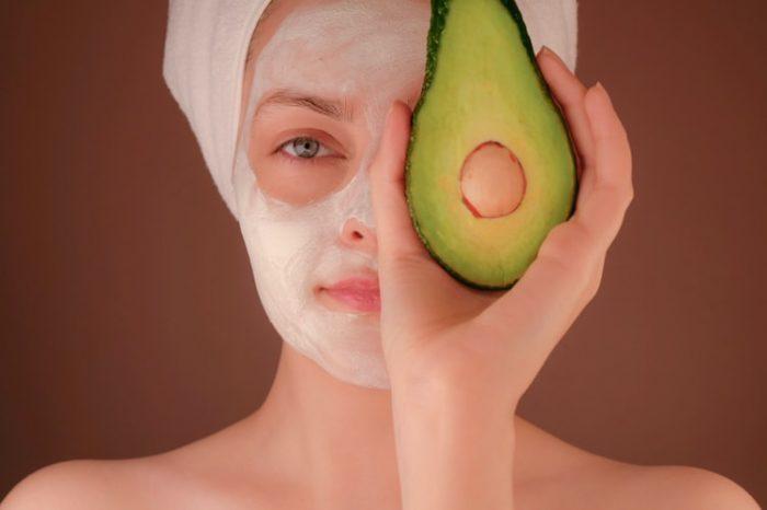 Как подобрать правильное средство для кожи вокруг глаз