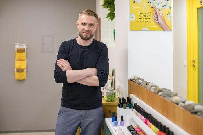 Антон Дерконос: как стать управляющим сети салонов