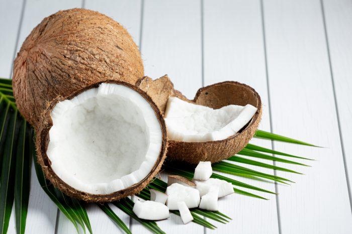 Кокос: почему он стал трендом здорового питания и что из него готовить